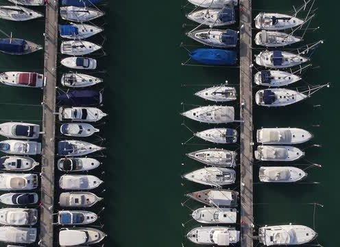 Of sailboats, yachts and