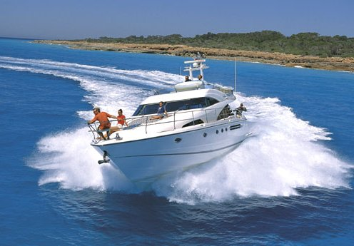 Boat Hire: Yacht Boat Hire