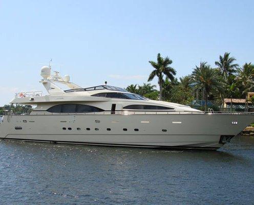 Motor-yacht-sales-100-azimut