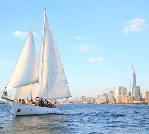 New York Sailboat Cruise with